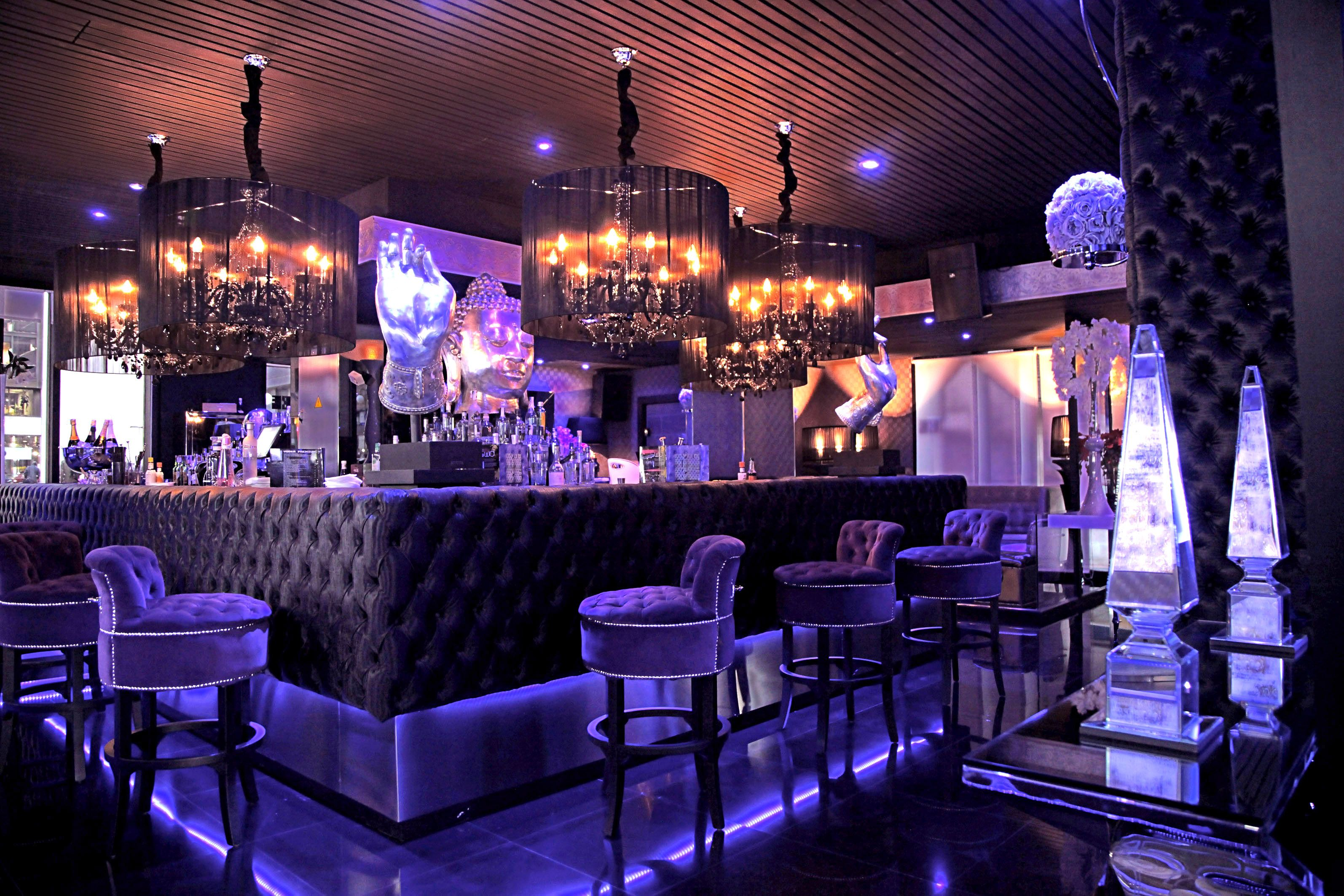 Newwd decoracion de bares tematicos kube madrid for Decoracion bares tematicos
