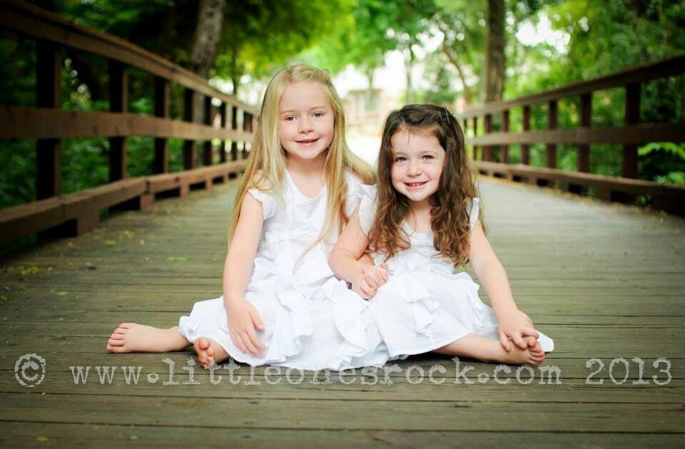 2 Girls Shoot Sisters Pose