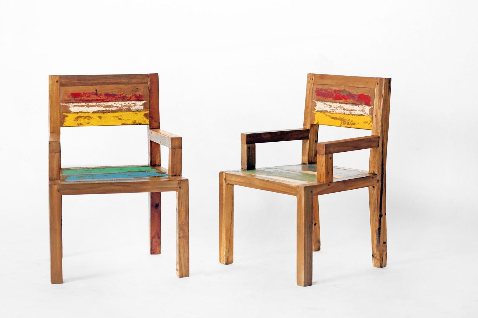 Chaise Enfant En Bois De Bateaux De Java Recycle Bois Massif Modele Unique Meuble D Interieur Ou Exterieur Couver Outdoor Furniture Outdoor Chairs Furniture