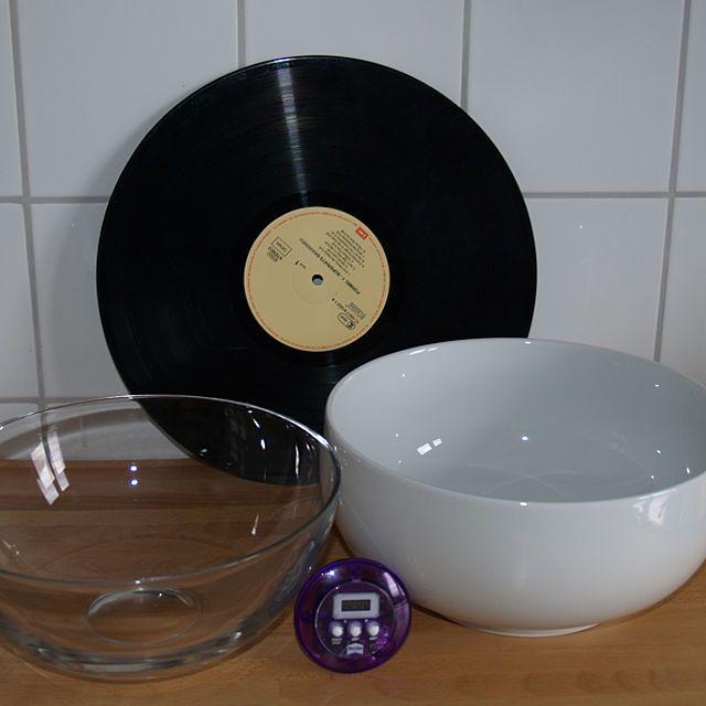 schale aus schallplatte einrichten und wohnen schallplatten vinyl schallplatten und. Black Bedroom Furniture Sets. Home Design Ideas