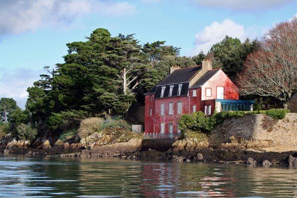 La Maison Rose A Sene Visible En Quittant Conleau Maisons Roses Maison Morbihan