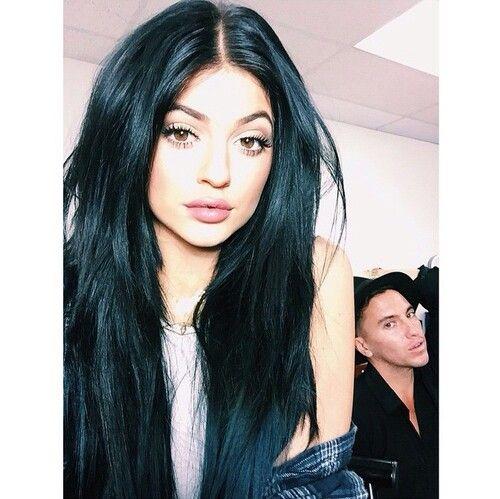 Her hair tho...