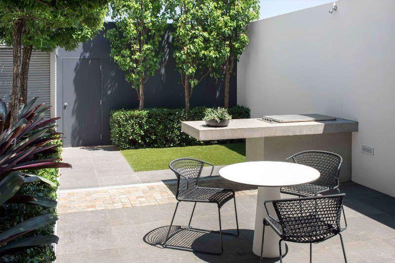 A sophisticated minimalist courtyard garden desire to inspire desiretoinspire net