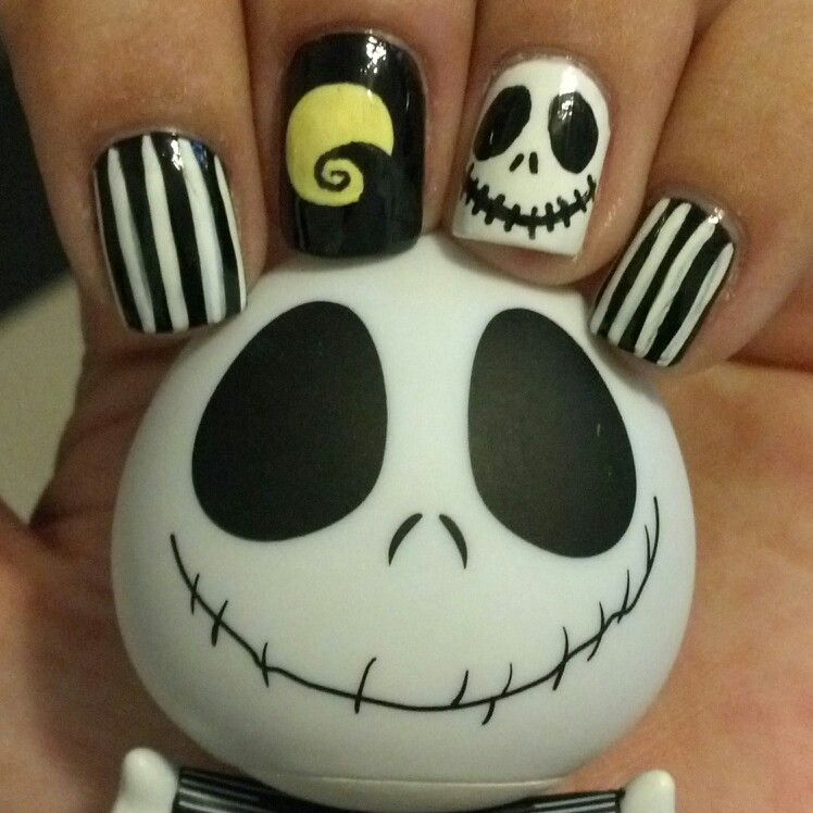 Nightmare Before Christmas Nails #halloween #nails ...