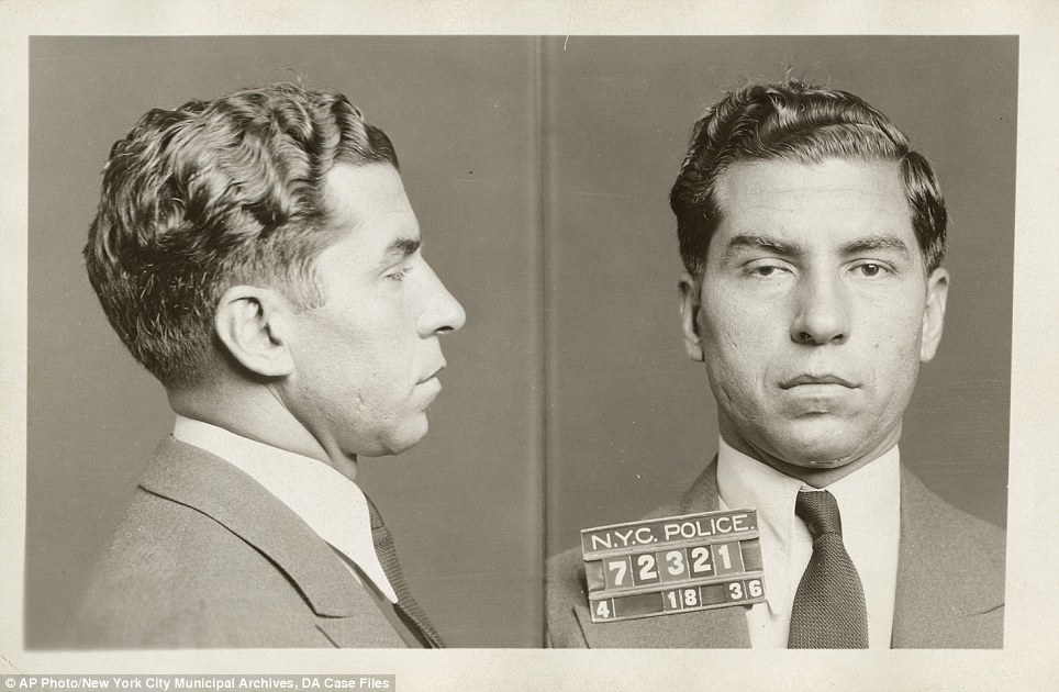 Never Before Seen Photos From 100 Years Ago Tell Vivid Story Of Gritty New York City Mug Shots Gangster Vintage New York