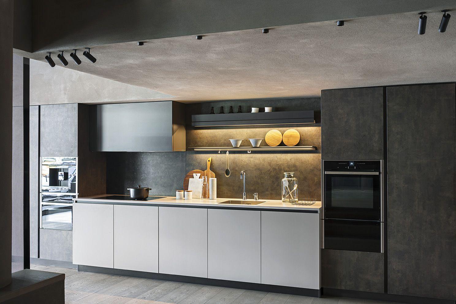maxima 2 2 base units melamine grigio fumo tall units ossido ghisa wall unit bronzite corian. Black Bedroom Furniture Sets. Home Design Ideas