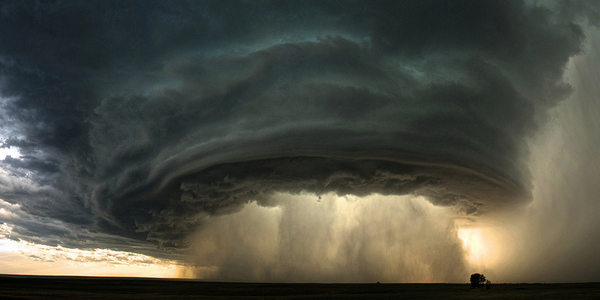 Incredible #storm pictures to make you stay in today! Check them out: http://bit.ly/NiumeStorms ,