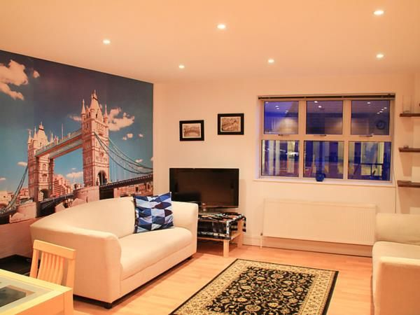 Last minute luxury apartment for 6 persons in London centre. Book from 12/10/2014 to 19/10/2014 for total price of 1747 euro instead of 2608 euro. Book now at: http://www.dreamhomeshop.com/rent/accommodation_details/england/greater%20london/london/91265
