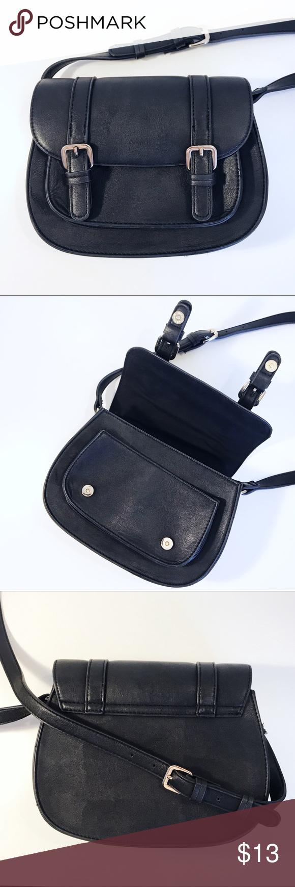 F21 Cross Body Black Saddle Bag W/Adjustable Strap | Black saddle bag. Leather saddle bags. Bags
