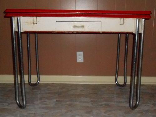 Vintage White W Red Trim Enamel Porcelain Leaf Kitchen Table W Drawer 1940 S Vintage Kitchen Table Kitchen Design Decor Kitchen Table