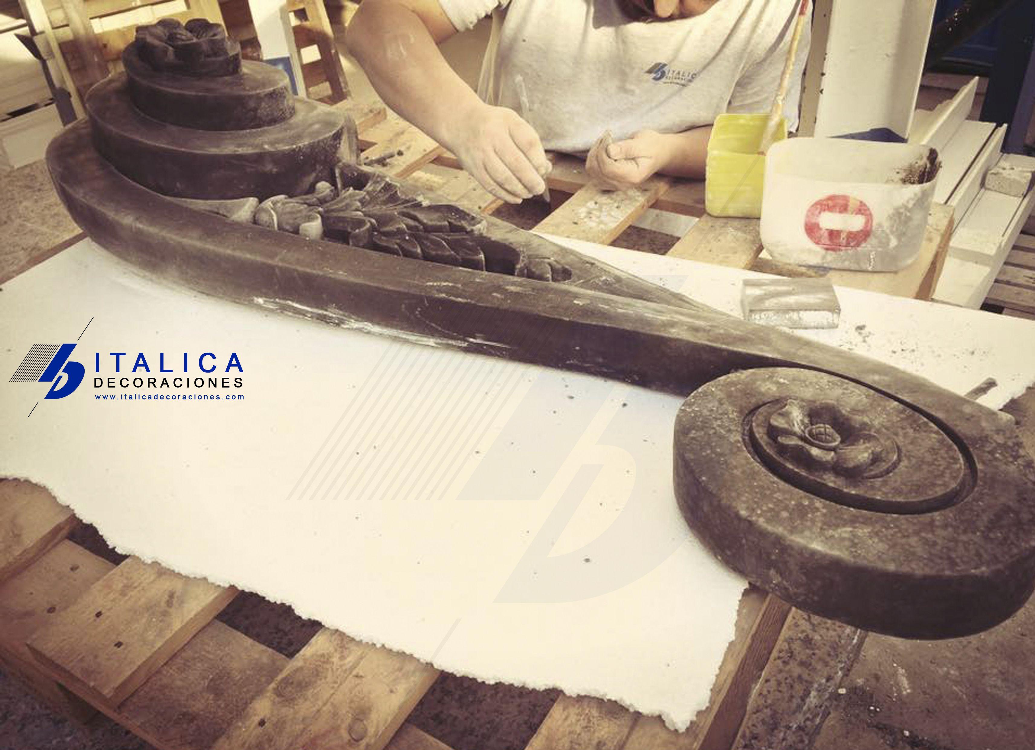 Fabricando Boluta de hormigon Especial ITALICA Rock.  www.italicadecoraciones.com