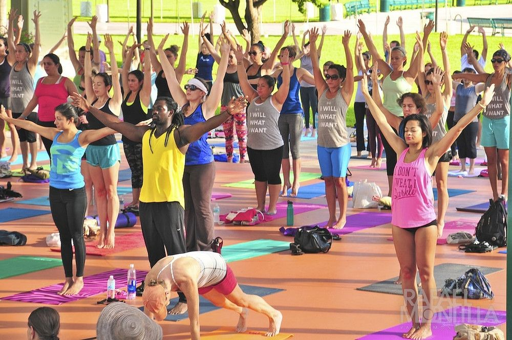Is Western Yoga Cultural Appropriation Yes But That Doesn T Mean White People Can T Practice It With Images Online Yoga Classes