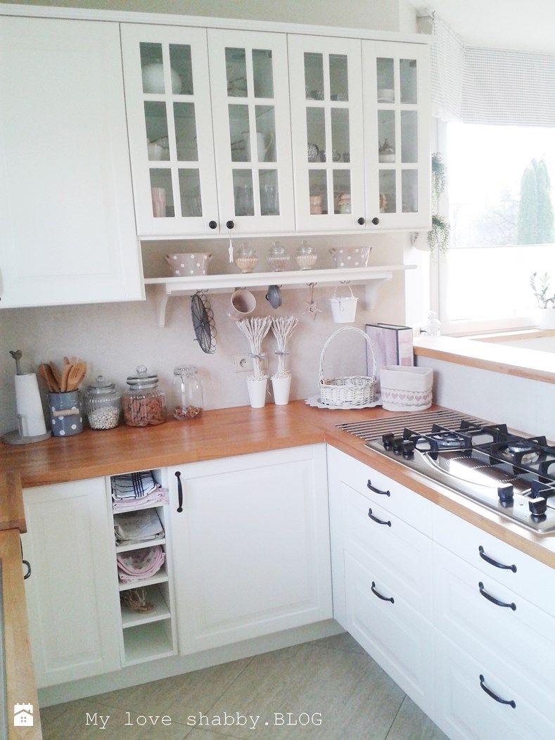 Biała Kuchnia Z Drewnianymi Blatami Kuchnia Styl