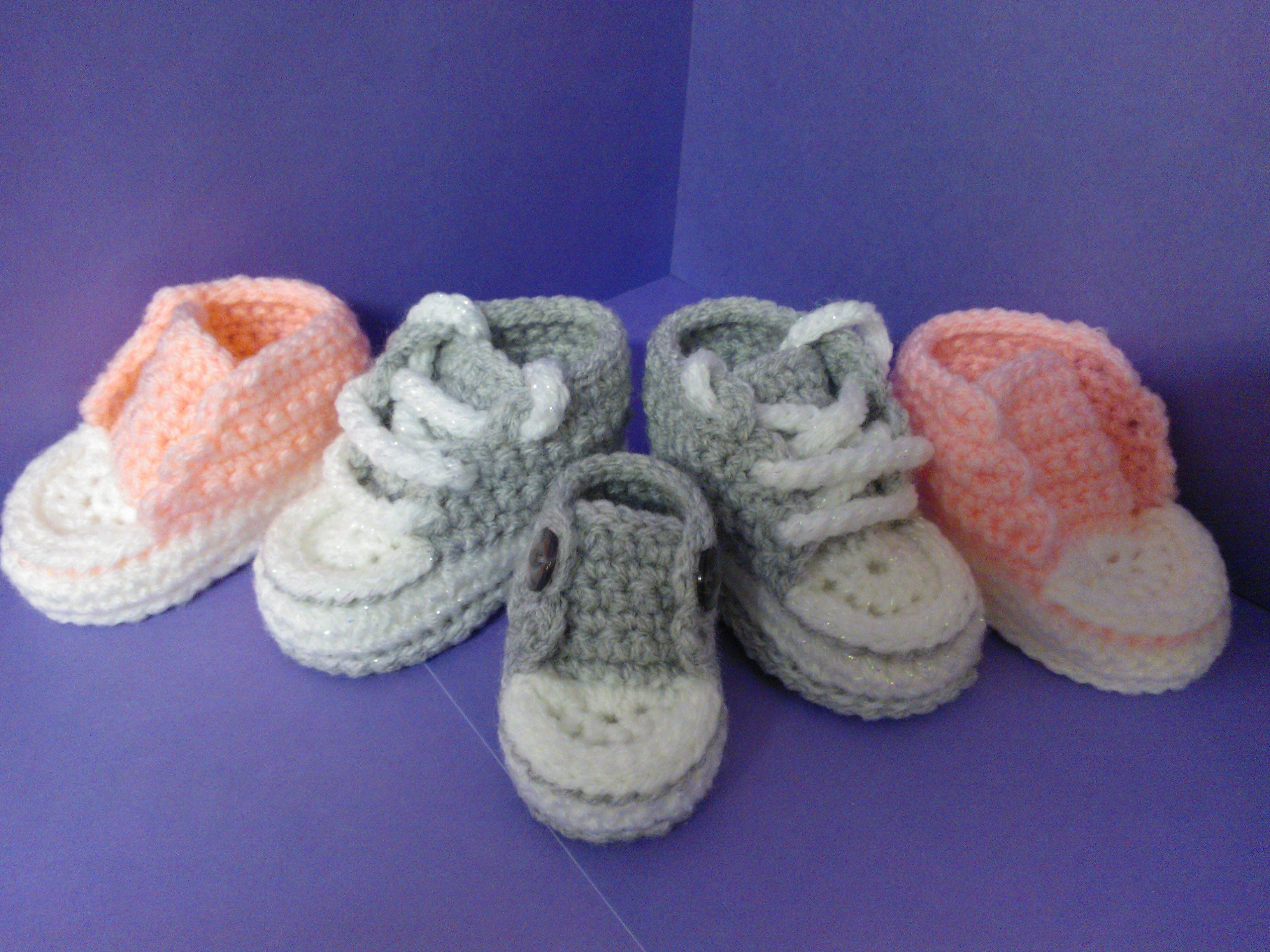 How to crochet My easy new born baby converse style slippers p5 with ...