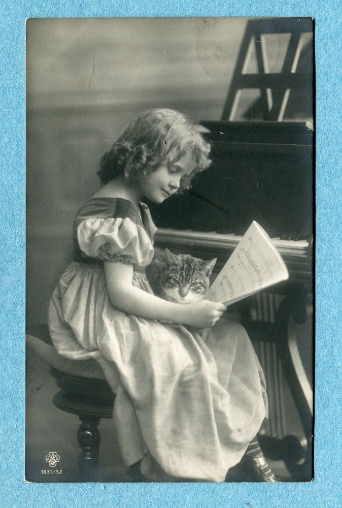 G4782 Real Photo Child Postcard, Girl at Piano with Tabby Cat, SBW 1631/32
