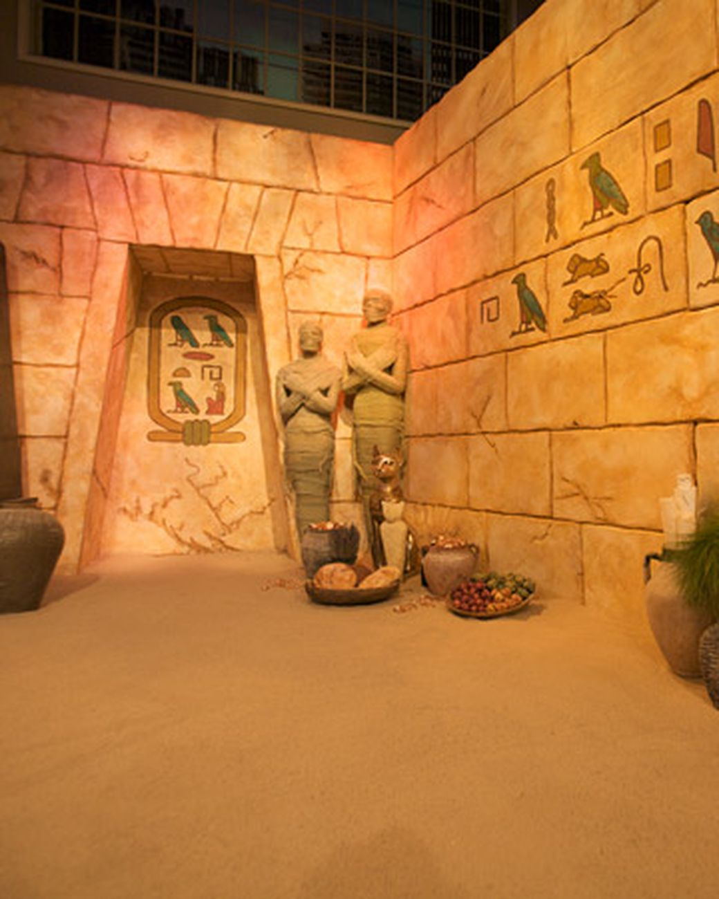 Ancient egypt martha stewart living the guest entrance for Ancient egypt decoration