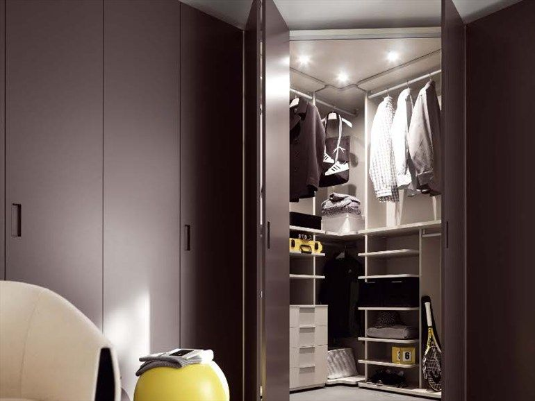 Corner Wardrobe Closet Design