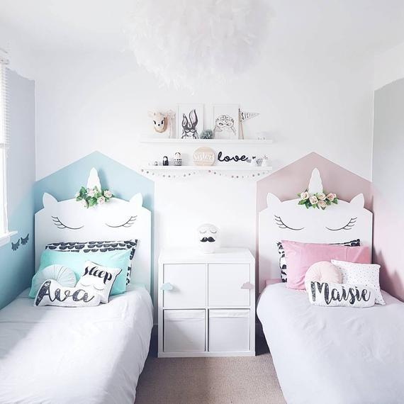Schalten Sie Schlafzimmer Ihres Kindes in eine wunderliche Wunderland mit unserem bezaubernden Einhorn Kopfteil mit Blumenkrone. Unsere Kopfteile sind geeignet für Holz Bettrahmen und Diwan Betten. Sie sind nach Maß, entweder auf der Vorderseite Ihrer bestehenden befestigen Holz