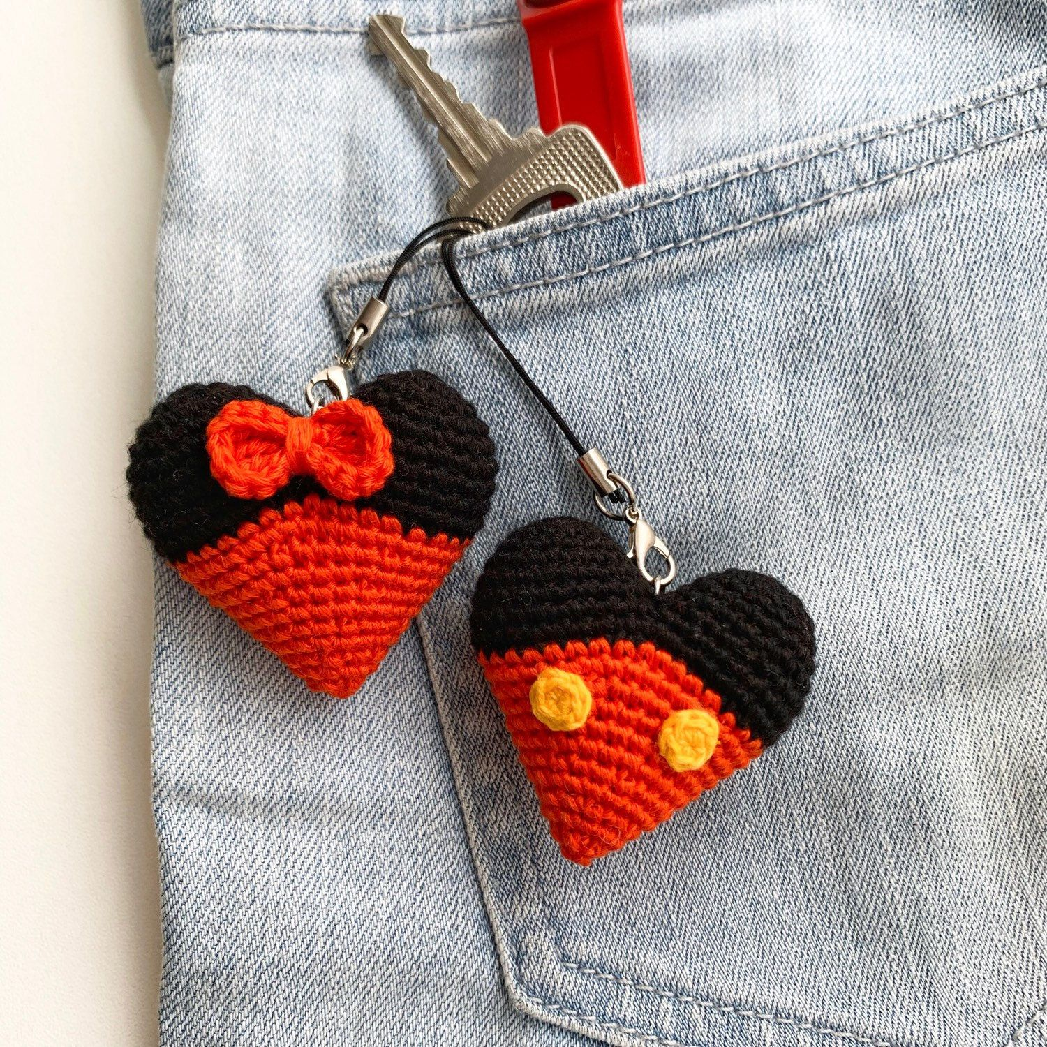 Mickey Mouse Heart Keyring Knitted Disney Minnie Mouse Key Chains Crochet Mickey Heart Bag Charm