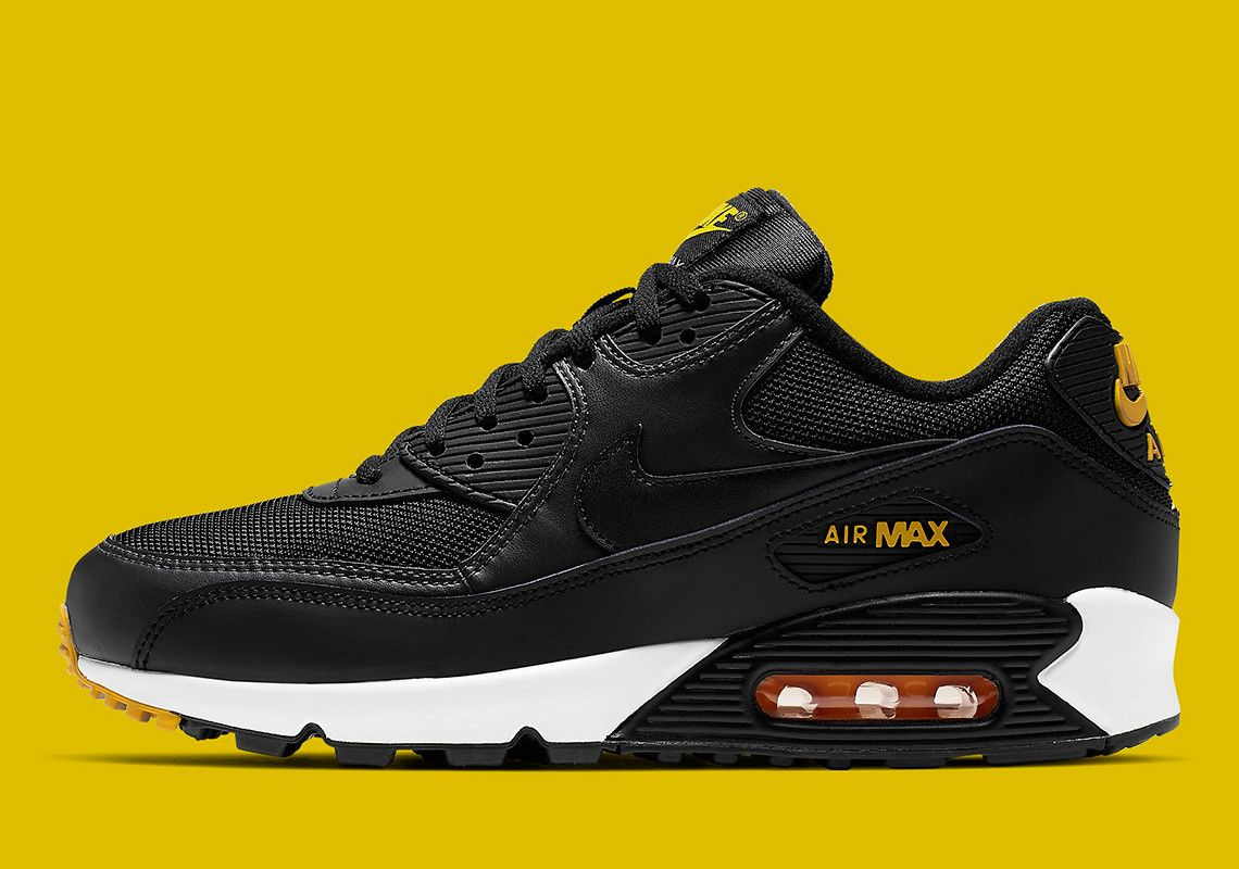 new styles 7ce0c 9a624 The Nike Air Max 90 Equips A Reverse-Taxi Colorway | NiKE ...