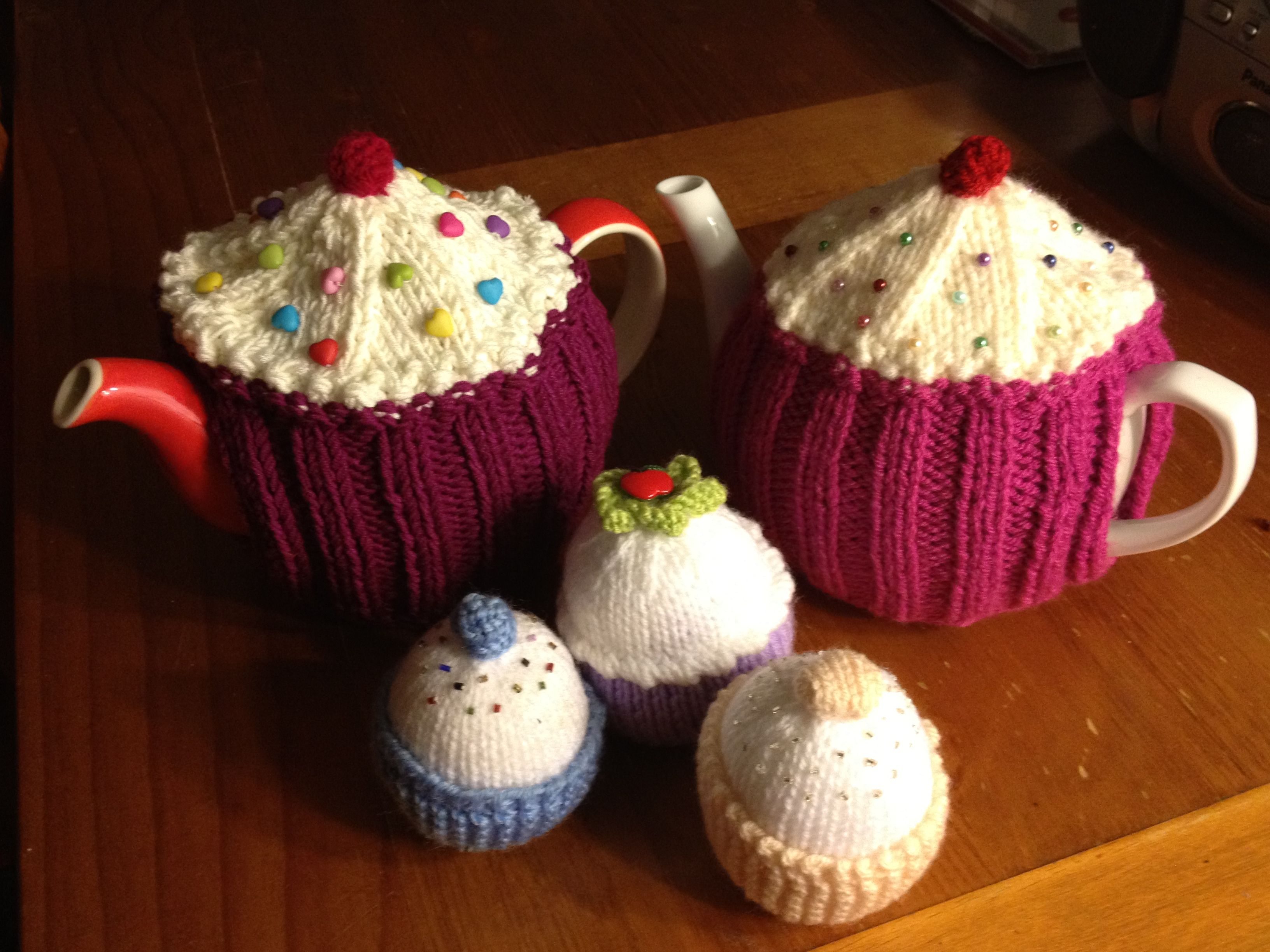 Knitted tea cosies and cupcakes | Crafty Love // Yarn Patterns ...