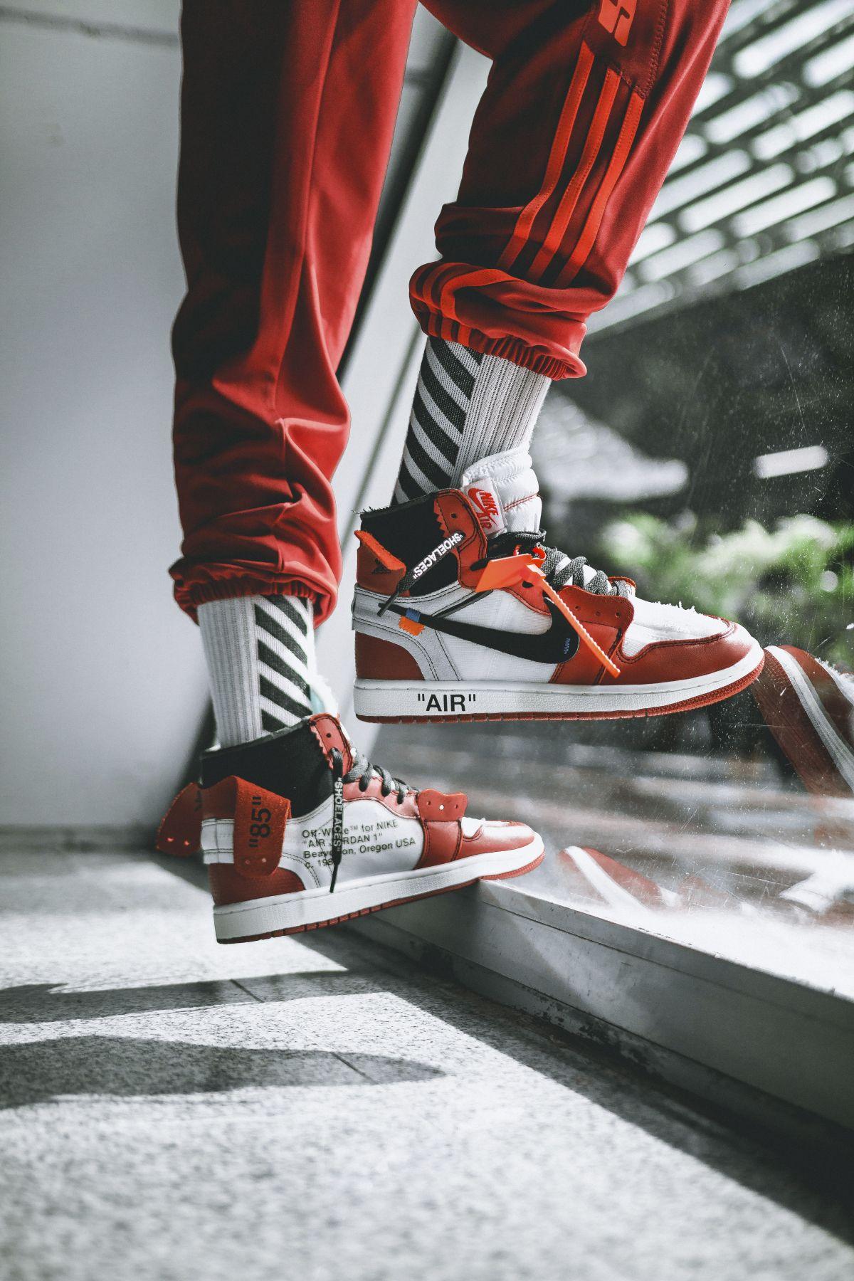 the latest 41be7 e8d18 AJ1  Off White  (via Hypebeast) Reebok, Jordans Sneakers, Nike Air