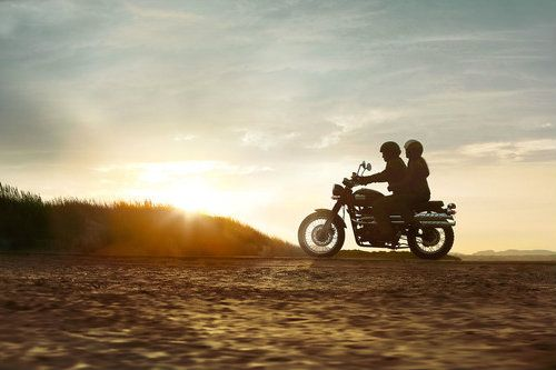 Riding Off At Sunset Motorcycle Boy Girl Com Imagens
