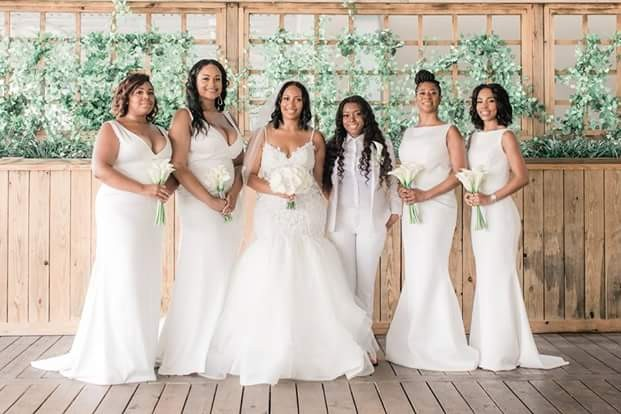 Lesbian Couple Wed In US; Photos Go Viral Stunning