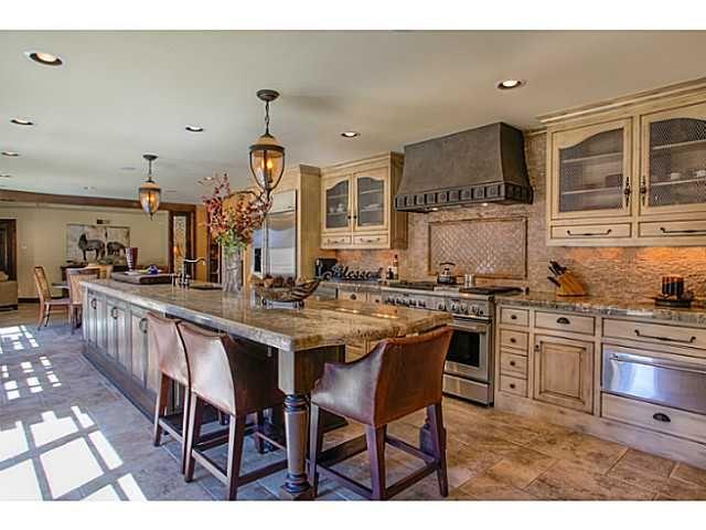 Beautiful Kitchen With Long Center Island Beautiful Kitchens Kitchen California Homes