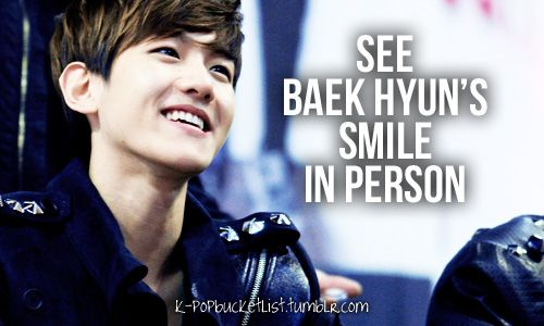 Yes, and that's how you recognize him, according to EXO. His smile is sort of box shaped. XD EXO Showtime 1