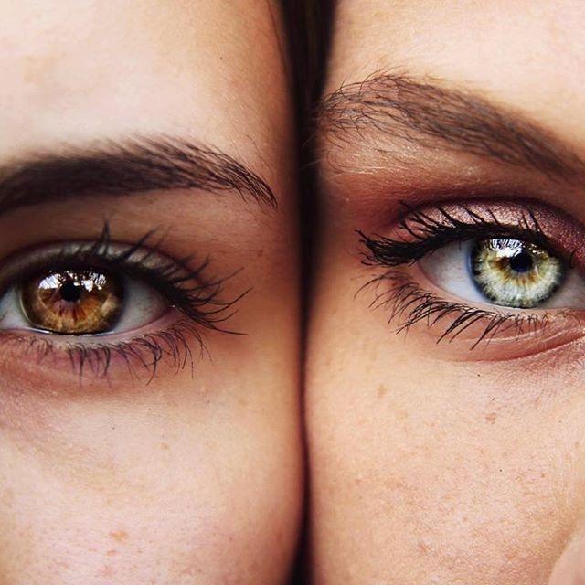 закрыть вместе глаза на фото дома