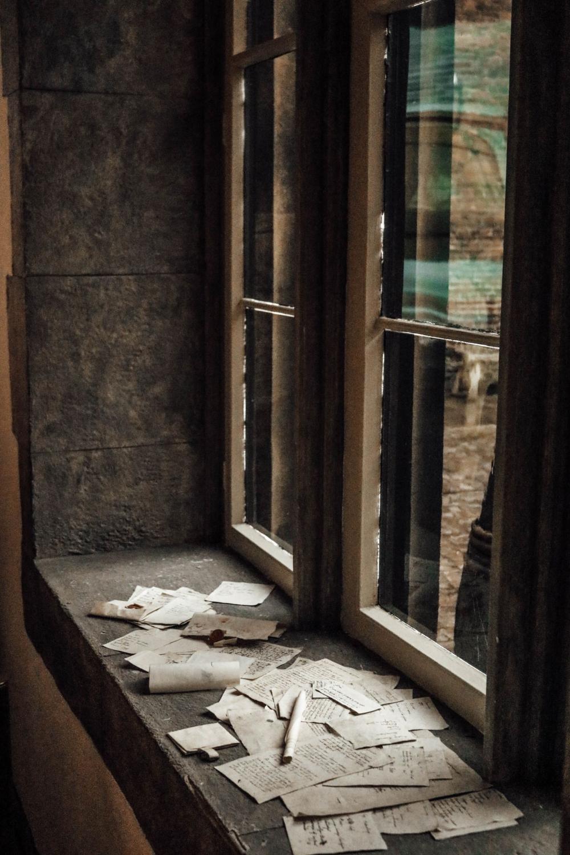 Dark Academia Aesthetic Wallpaper Google Search In 2020 Dark Aesthetic Light In The Dark Hogwarts Aesthetic