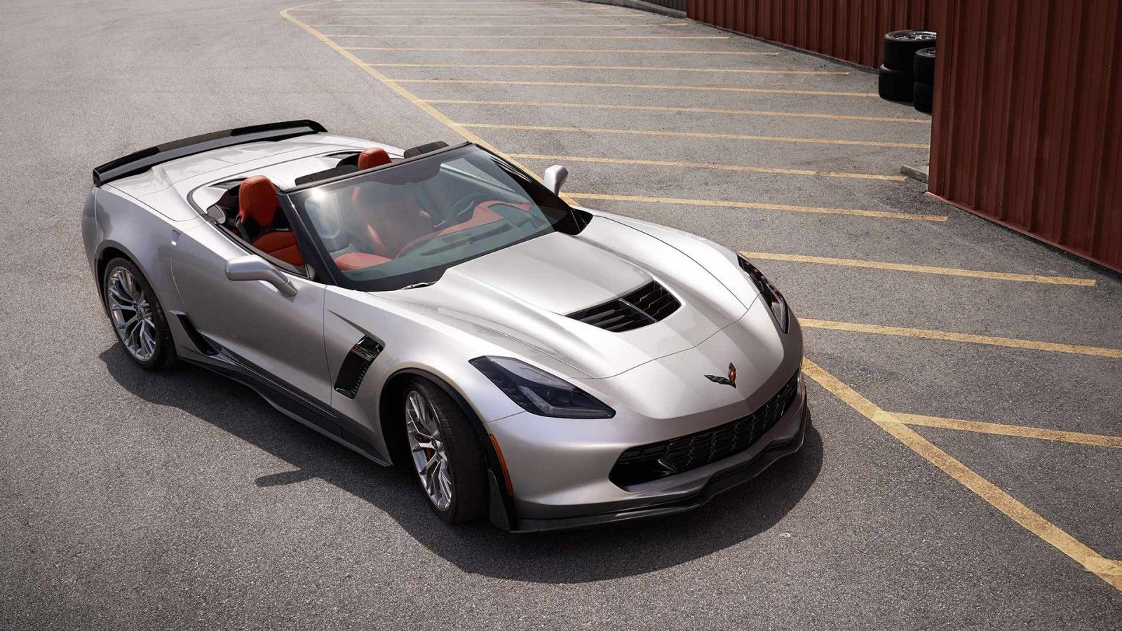 Take A Look At The Stylish Exteriors Of New Chevrolet 2016 Corvette Supercar And View Photos Here