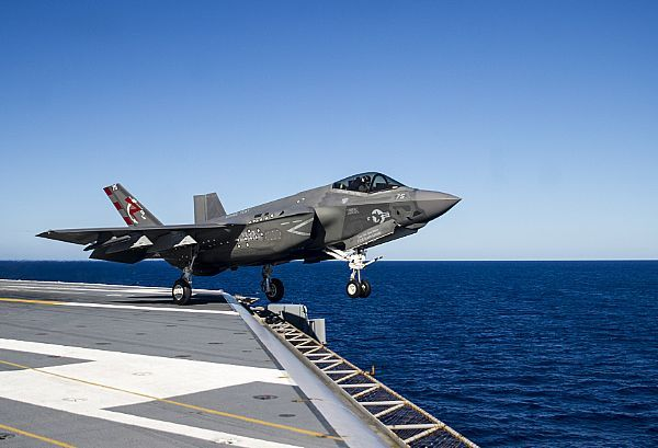 An F-35C Lightning II carrier variant assigned to the Salty Dogs of Air Test and Evaluation Squadron (VX) 23 launches from the flight deck of the aircraft carrier USS George Washington (CVN 73).