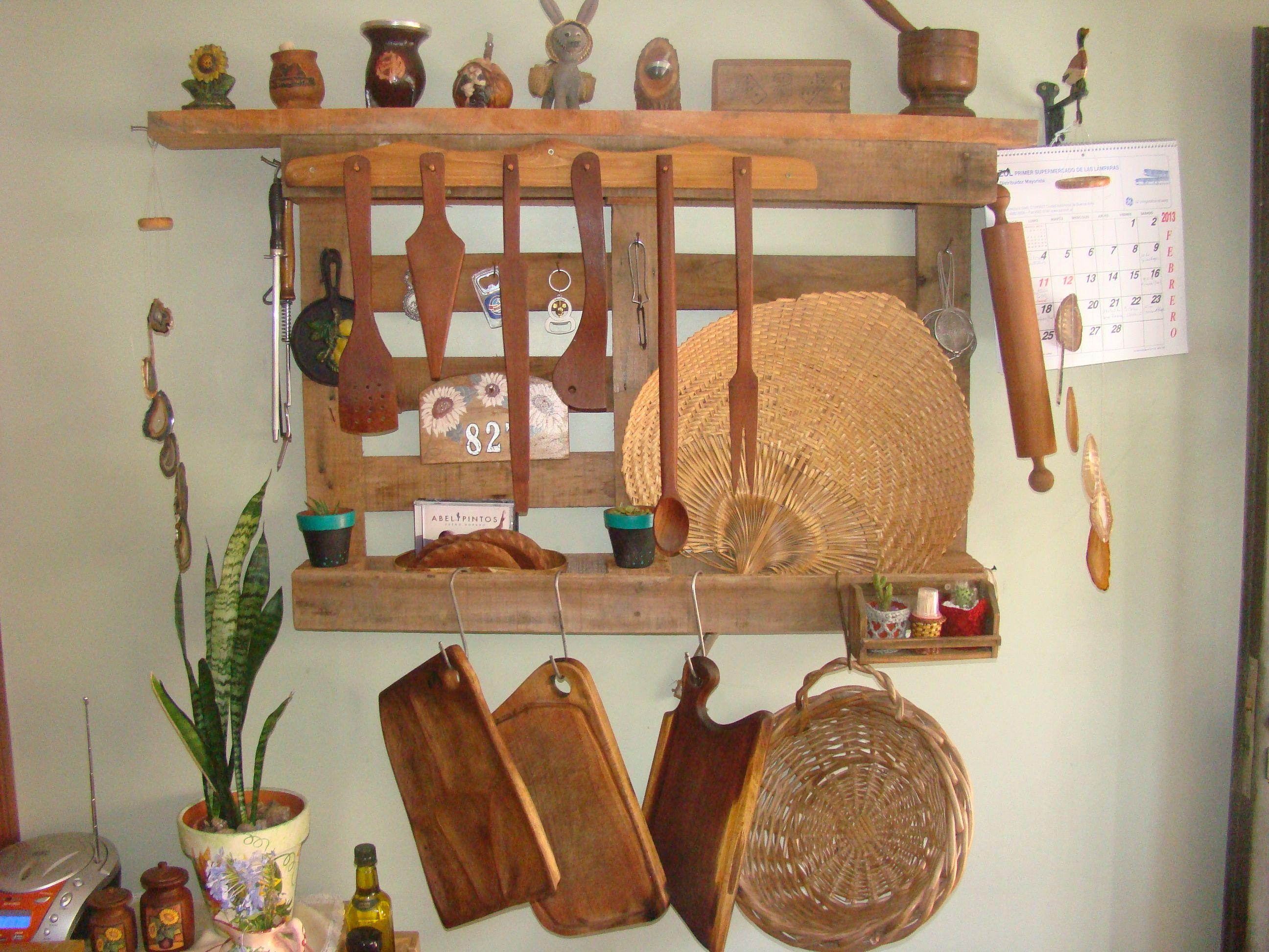 Estante con pallet para cocina reciclaje wood pallets pallet y manualidades - Reciclaje de pales ...
