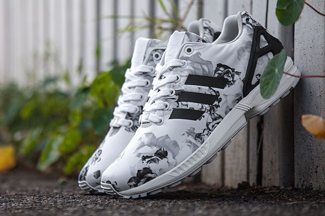 Sneaker Central ADIDAS ZX FLUX 'FLORAL' (WMS) Foot
