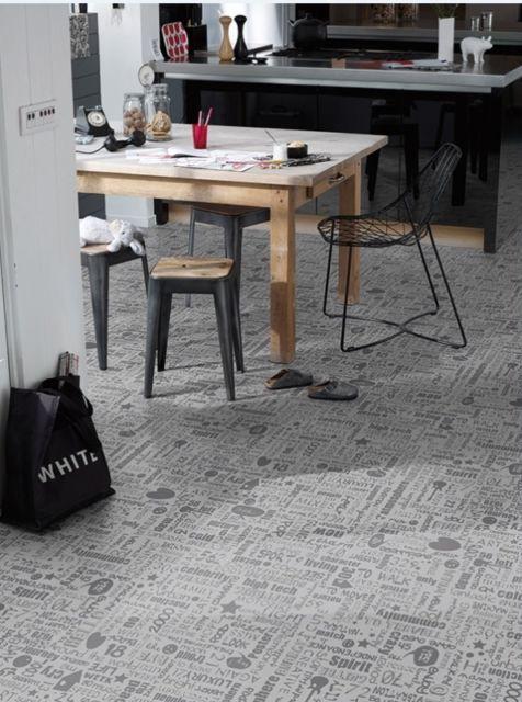 pvc bodenbelag moderne schriftz ge silber grau 400 cm x 2 meter restposten ebay pvc. Black Bedroom Furniture Sets. Home Design Ideas