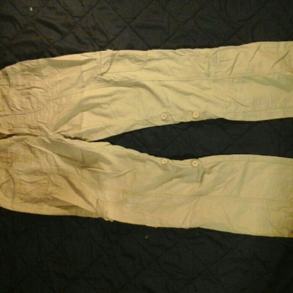 """Arizona khaki light weight pants/capris Light weight khaki 16r but fits like a size 0/1 inseam 30"""" they can either b worn as pants or rolled up into capris as seen in picts 3 & 4. They have 6 pockets all together 2 in front 2 in back n 1 on each side of leg Arizona Jean Company Pants"""