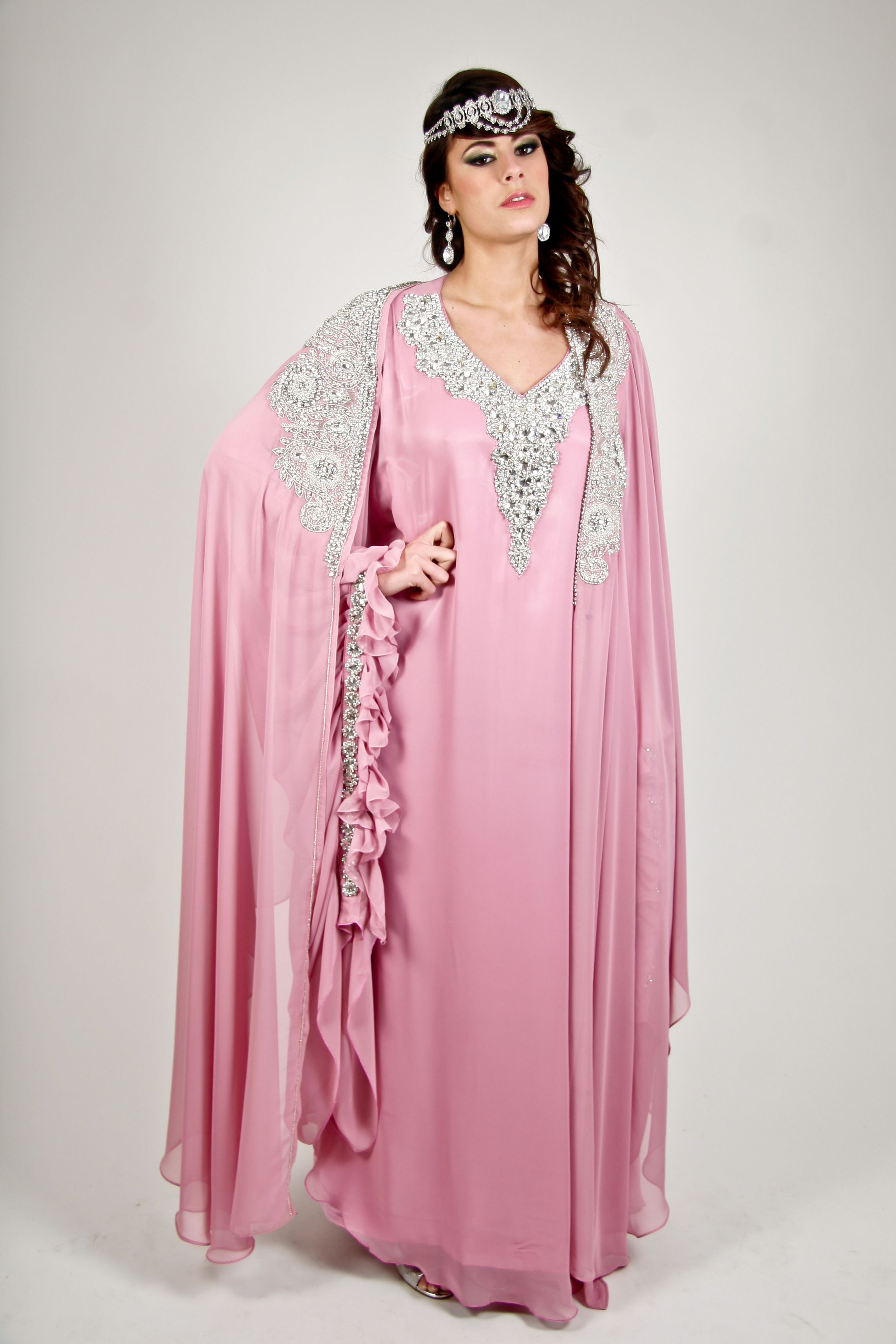 robe de mari e duba rose tarif de location 150 euros khaleeji kaftan pinterest caftans