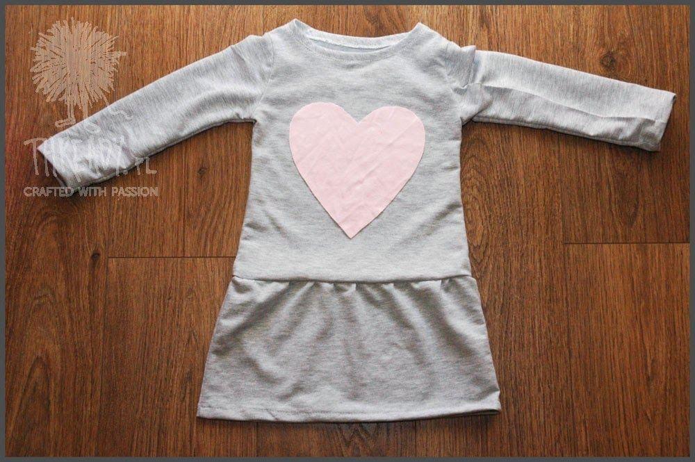 c7428dc568 Thready  Jak uszyć dresową sukienkę dla dziewczynki