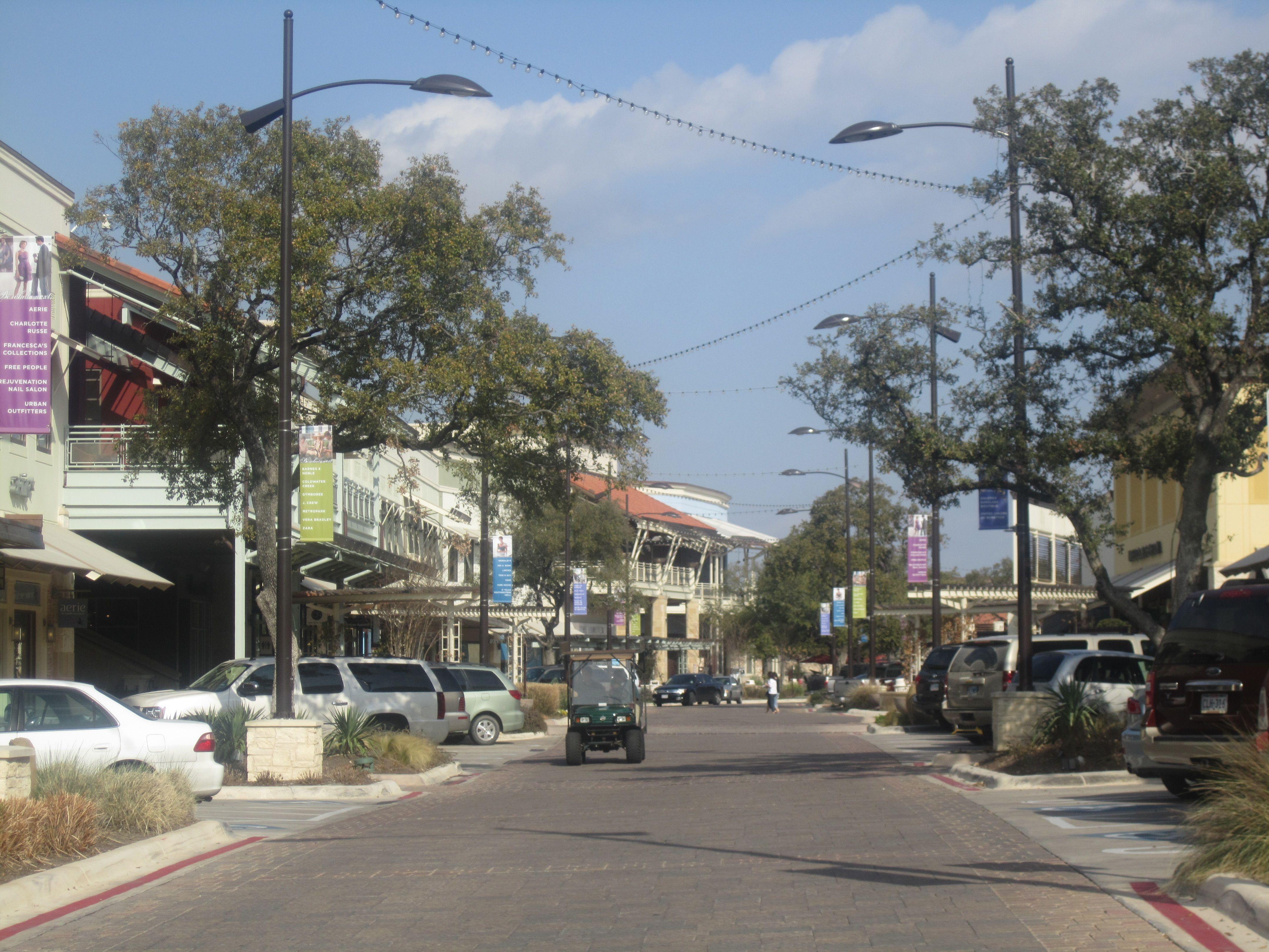 UTSA   University Of Texas At San Antonio Roadrunners   The Shops At La  Cantera Is A Non Enclosed Shopping Mall Located Near The University Of Texas  At San ...