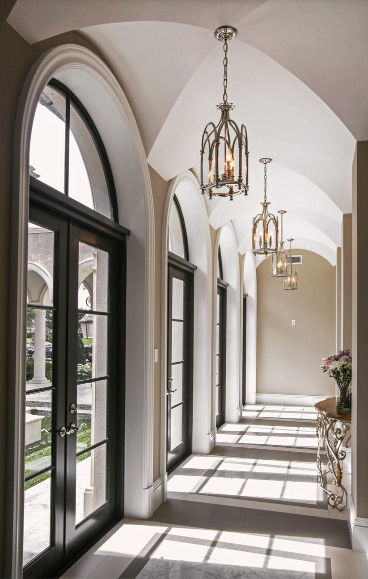 schwarze Sprossenfenster schöner Hauseingang