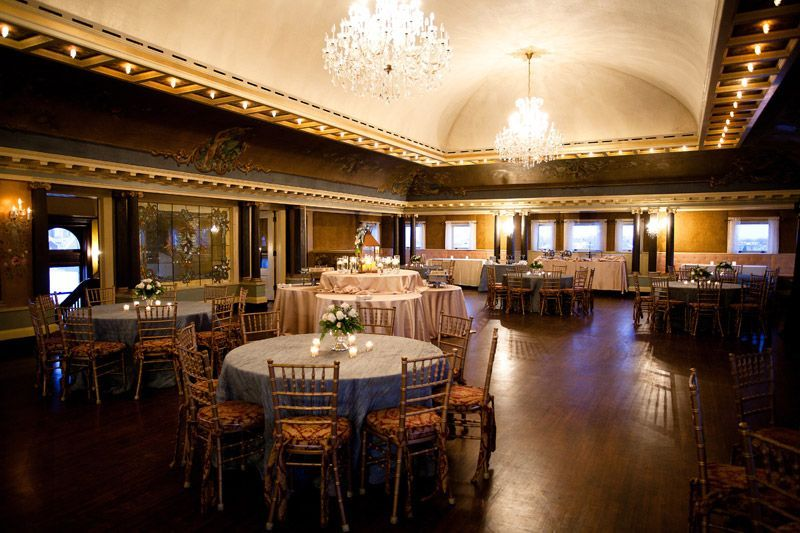 Wedding at Glensheen Mansion in Duluth, MN photographed by