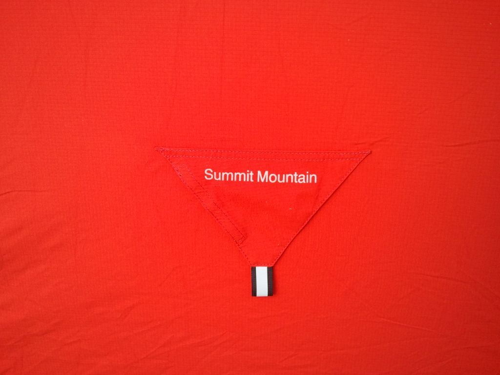 Red by Summit Mountain Rab 텐트. 제조업에선 이미 사망선고 받았지만, 디자인에 관한한 영국 아직 죽지 않은 듯 ~