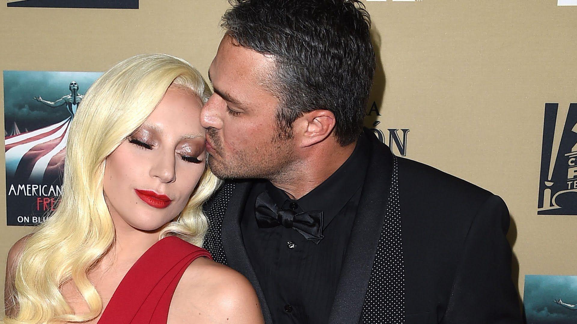Golden Globes 2014: Lady Gaga Makes Rare PDA With