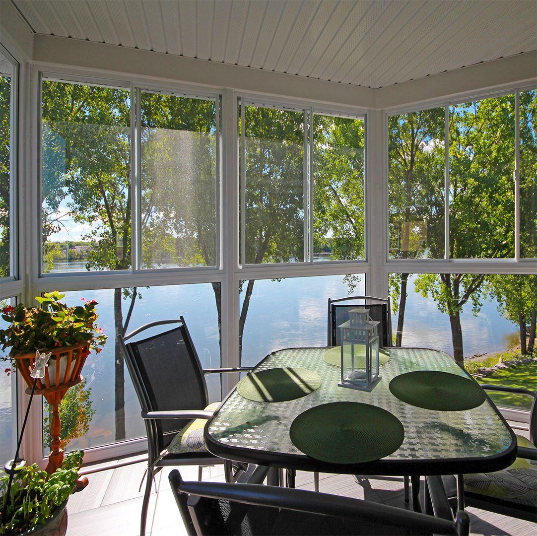 Vous Revez D Un Solarium Pour Creer Un Nouvel Espace De Lumiere Solarium 3 Saisons Veranda Plus Laval Outdoor Furniture Sets Outdoor Furniture Furniture Sets
