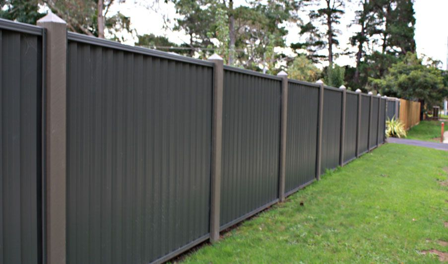 Different types of yard fences colourbond large for Types of fences