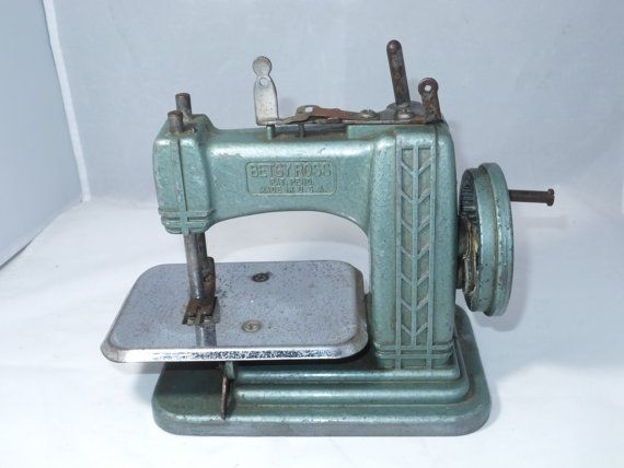 ♥ø #Vintage Toy #Sewing Machine - Teal Industrial Miniature, 1950s Betsy Ross Model, http://etsy.me/2cQGAxF