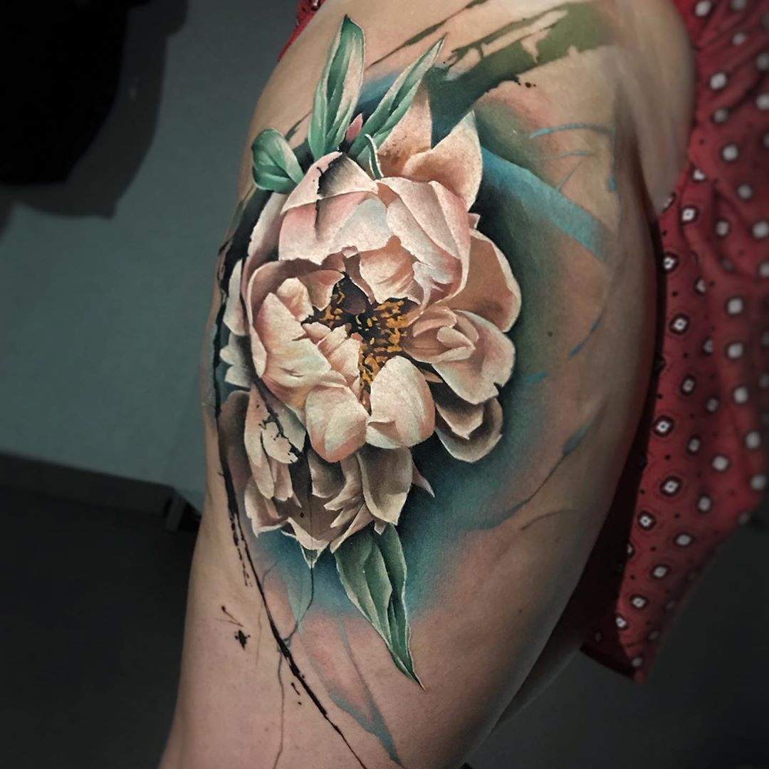 Lively and unique tattoo realism - Sandra Daukshta