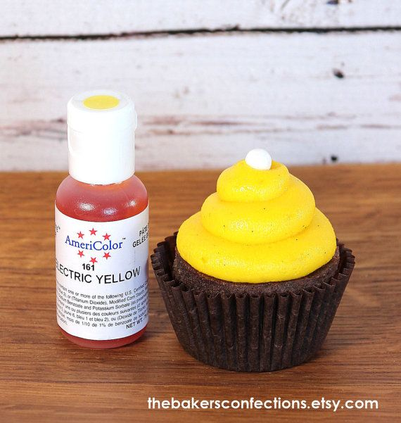 bright yellow food coloring for cupcake frosting ------>>> Make ...